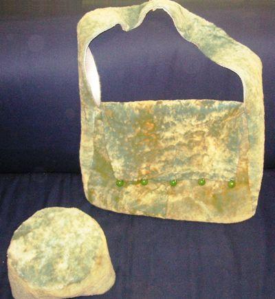 Двухсторонние сумка и шапка
