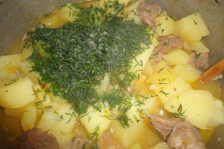рецепт картошки тушеной с мясом в горшочке в духовке