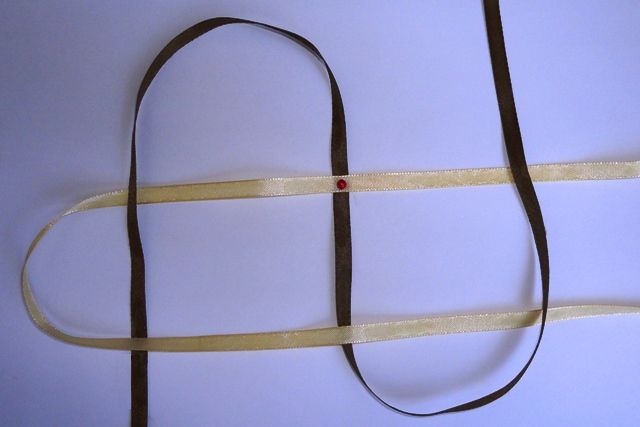 круглая фенечка из лент