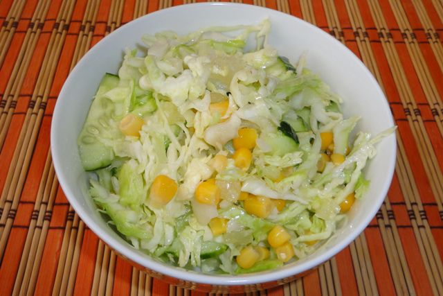 Капустный салат с кукурузой рецепт