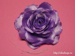 Для того чтобы сделать такую розу из ткани, вам понадобятся.