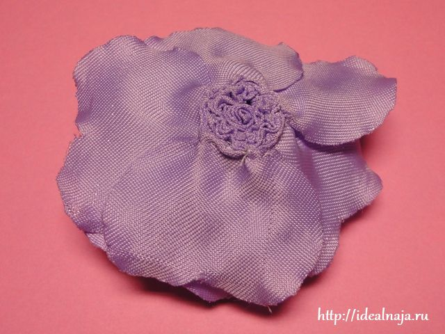 Обратная сторона розы из ткани
