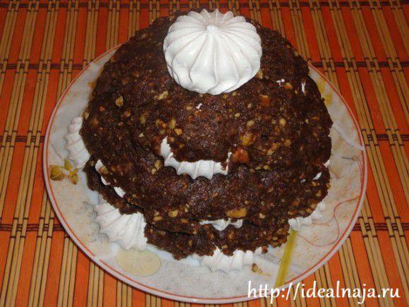Последняя безешка сверху торта