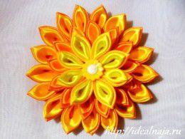 Многослойный цветок канзаши из острых двойных лепестков