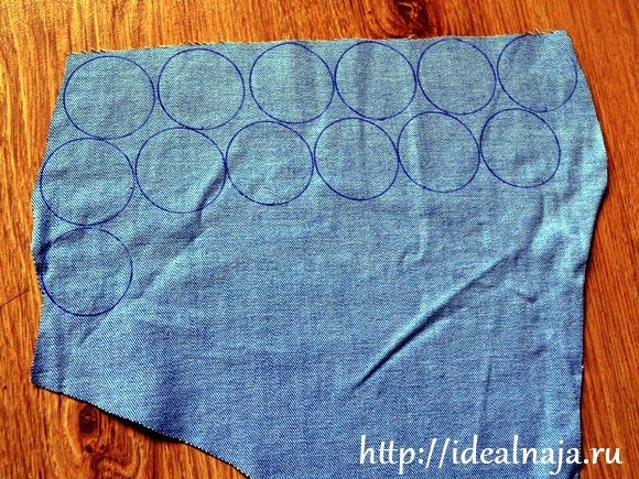 Рисуем на ткани кружочки