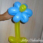 Вот такой получился цветочек из длинных шариков