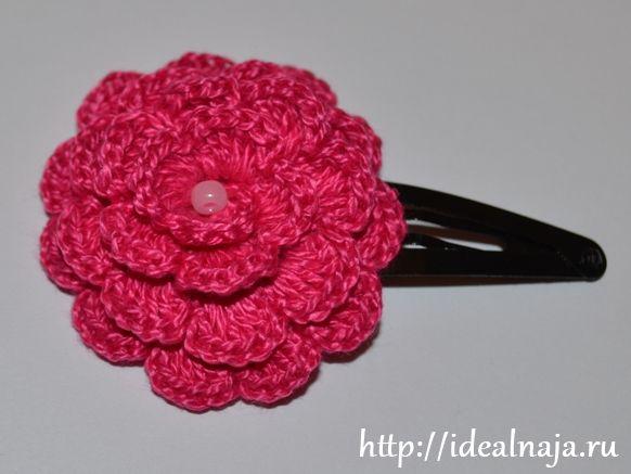 Вязать крючком с объемной розой